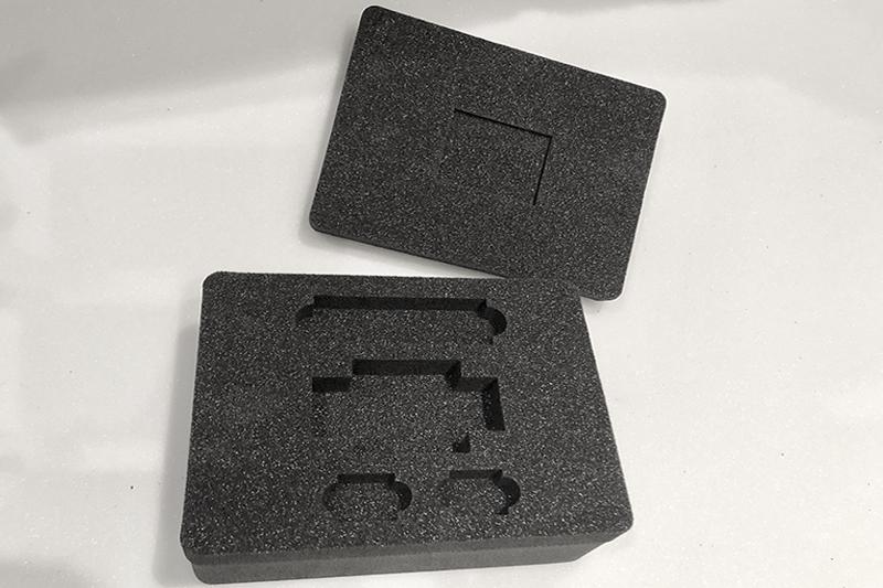 Interno valigetta polietilene taglio ad acqua