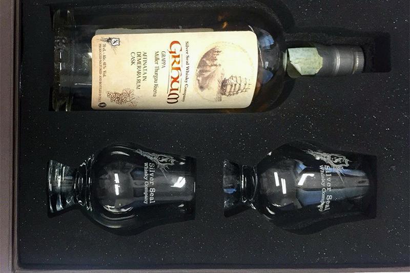 Cofanetto in poliuretano bottiglia e bicchieri