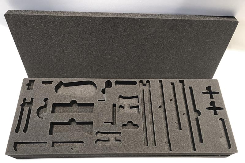 Interno valigia in polietilene taglio ad acqua
